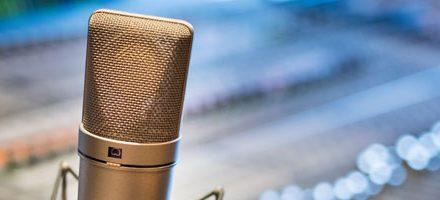 5 moteurs de recherche de podcasts