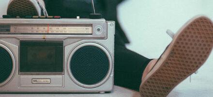 5 moteurs de recherche de webradios